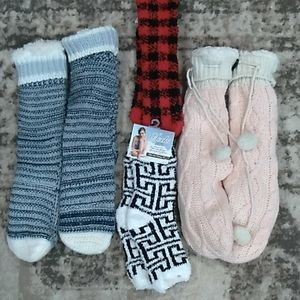 Pack of 4 multi colored fuzzy socks